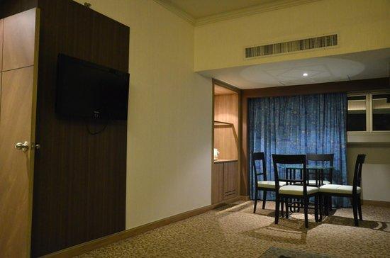 Baiyoke Sky Hotel: ダイニング