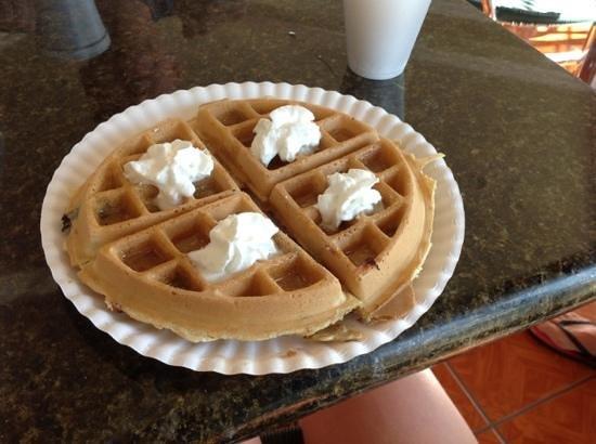 Rodeway Inn Barstow: breakfast waffle:) best waffle I have had