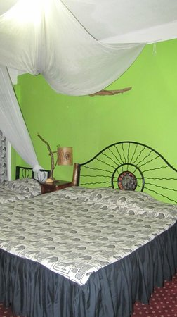 Khweza Bed & Breakfast: 2 Beds in our room