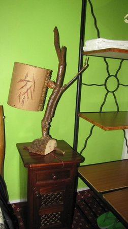 Khweza Bed & Breakfast: Typical Art Decoration Lamp in room