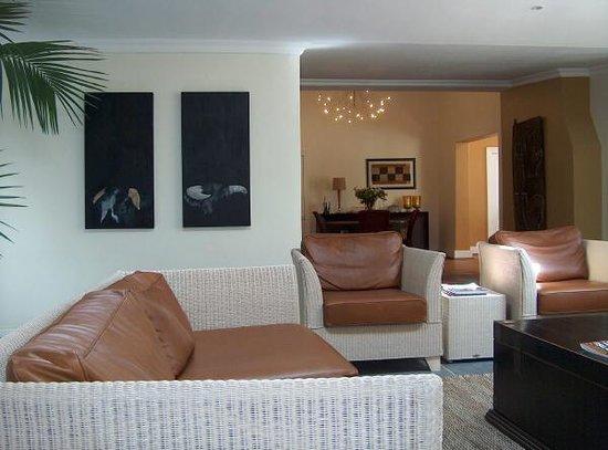 Somerset Villa Guesthouse: Lounge