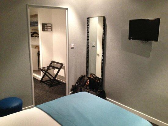 Hotel Le Saint-Georges: Entrée chambre