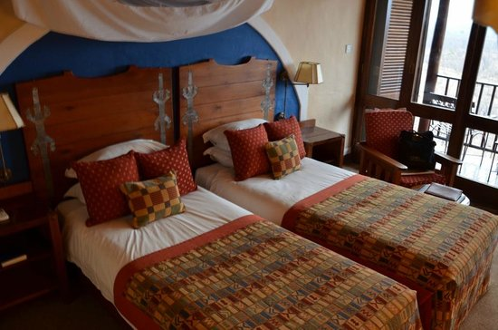 Victoria Falls Safari Lodge: The bedroom