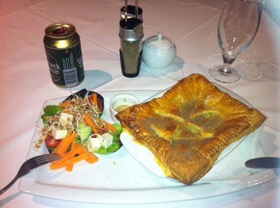 Richtershuyz: chicken pie and Windhoek beer - fantastic food
