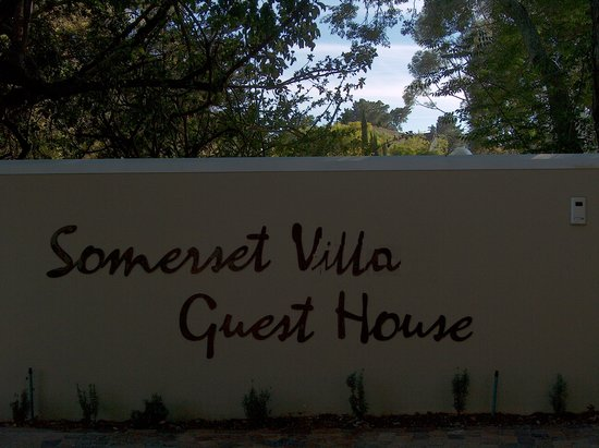 Somerset Villa Guesthouse: Entrance