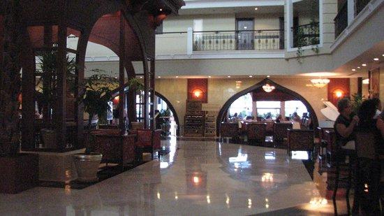 كراون بلازا هوتل أنطاليا: Main Lobby