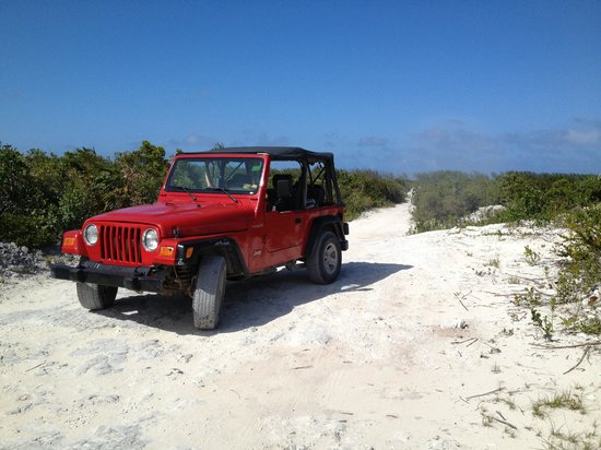 Blue Horizon Resort: The Jeep we rented