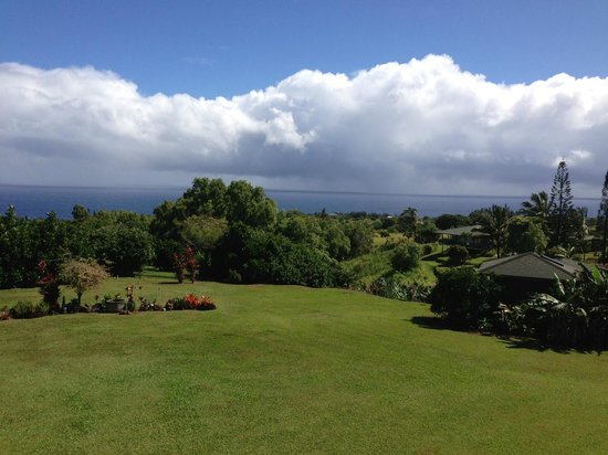 Maui Ocean Breezes: View from the lanai