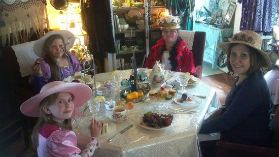 The Painted Lady Bed & Breakfast and Tea Room: Fun Tea Party for all ages