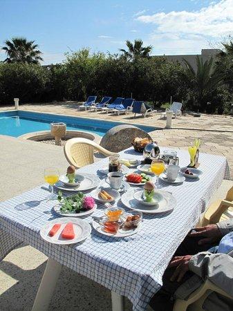 Paradise Bungalows : Breakfast at Paradise