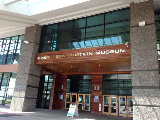 Evergreen Aviation & Space Museum: The entrance