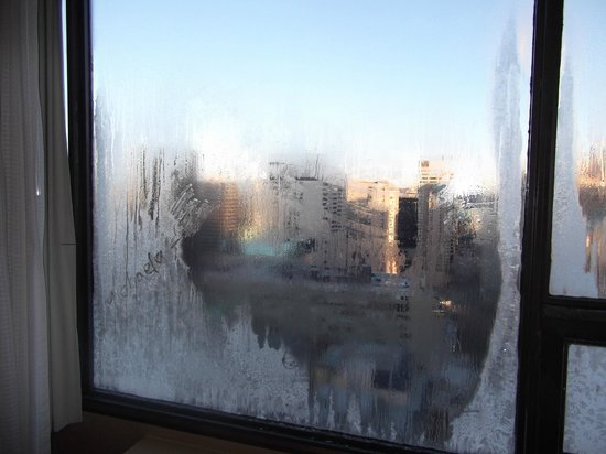 Sheraton Centre Toronto Hotel: single glazed