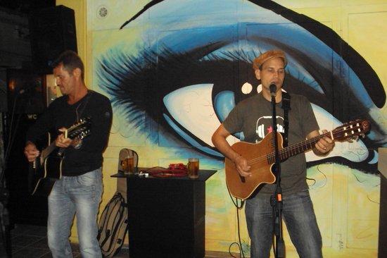 Eyes Live Lounge