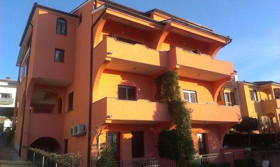 Apartments Legovic