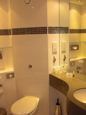 Aspect Hotel Kilkenny: Badezimmer / Bathroom