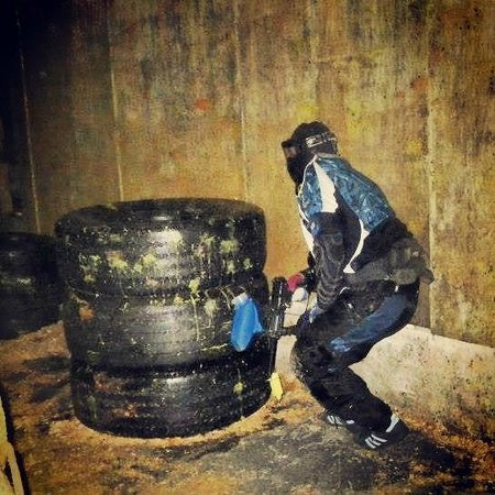 Manchester Paintball Arena: action shot