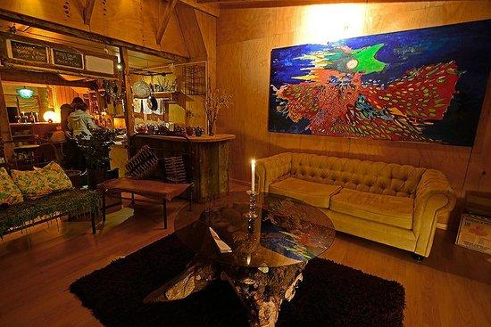 Yaganhouse: Vista de la cocina y living