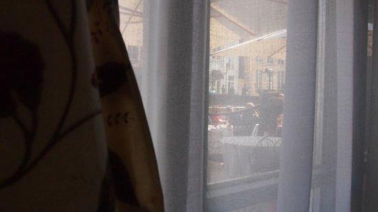 Hotel de Orangerie: Tea area outside room window