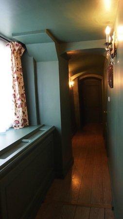 Hotel de Orangerie: Room corridor