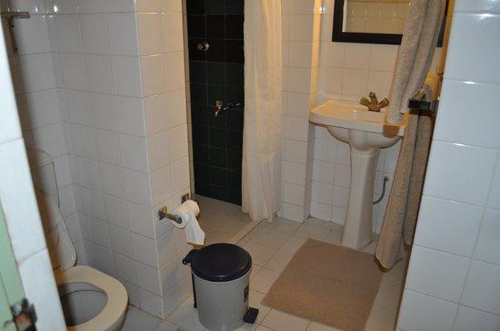 Giritale Hotel: SDB