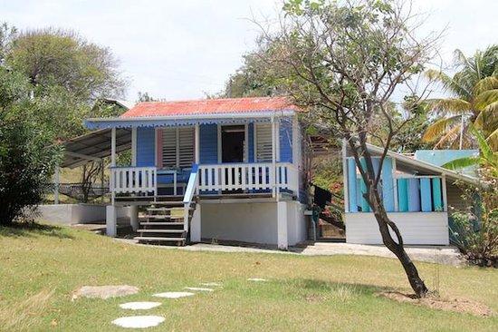Bayaleau Point Cottages : Blue Cottage