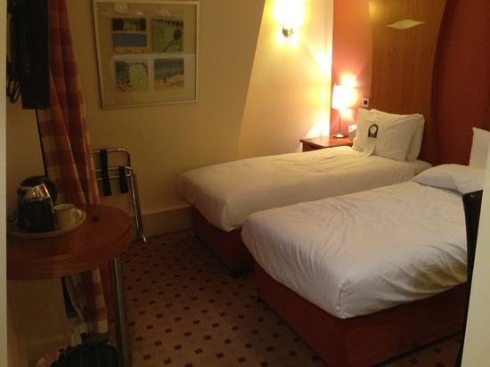 Corus Hotel Hyde Park London: twin room