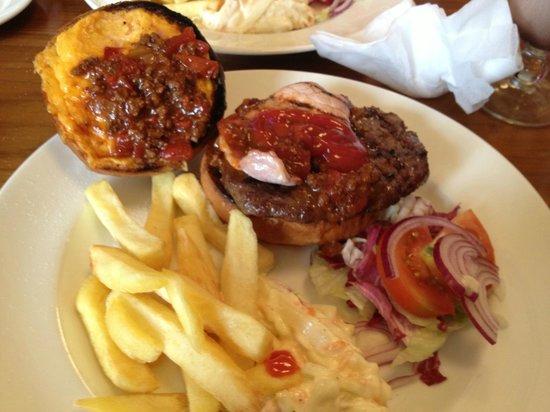 Rascals Bar St Andrews: Sloppy Rascal Burger