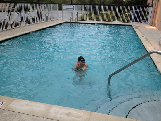 Fairfield Inn & Suites by Marriott Fort Pierce: La piscine