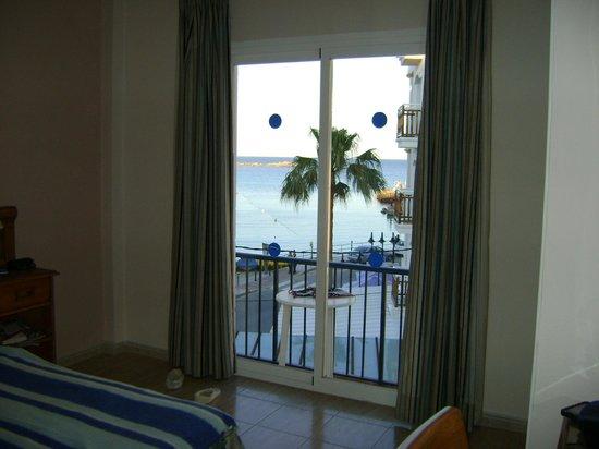 Hostal Mar y Huerta : view from second floor balcony sea room