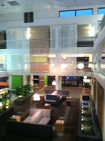 The Domain Hotel: Beautiful & Moderh Hotel Lobby