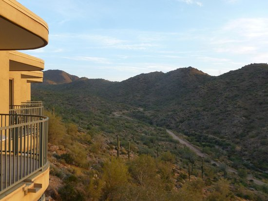 CopperWynd Resort & Spa : view from room 212 - looking left at sunrise