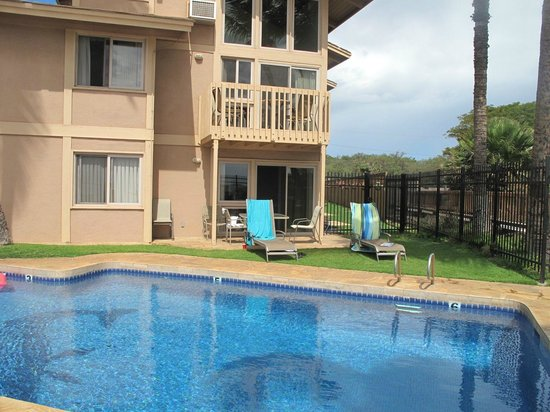 Kihei Sands Beachfront Condominiums: A8 Patio