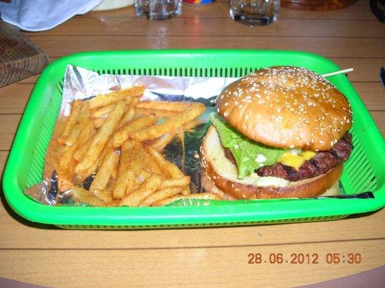 Diego's Casa de Playa : Hamburger