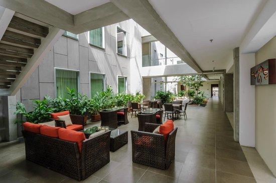 Isla Verde Hotel: Social