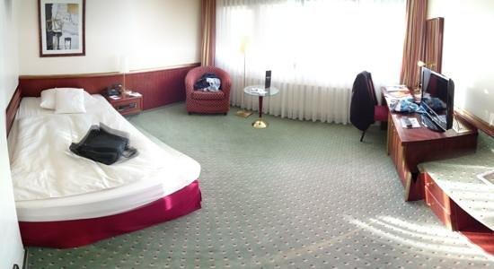 RAMADA Hotel Siegen: Zimmer 214