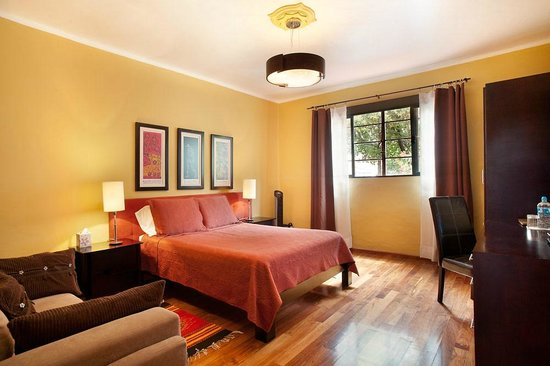 The Red Tree House: Culiacán room
