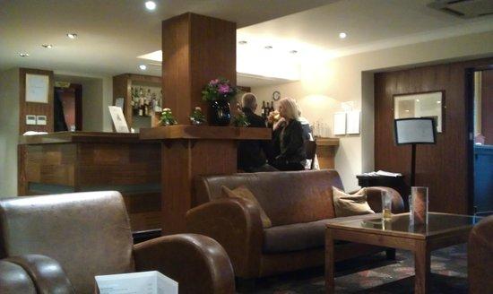 Hendon Hall Hotel: Bar