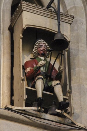The Sherston Inn: Jack Blandifer on the 1390 Cathedral Clock