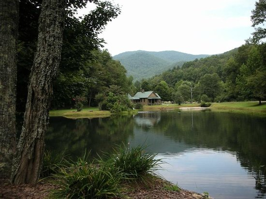 Valley Springs Lodging: Amazing view from the cabins!