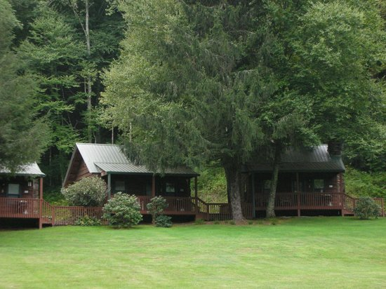 Valley Springs Lodging: Our cozy one and two bedroom cabins.