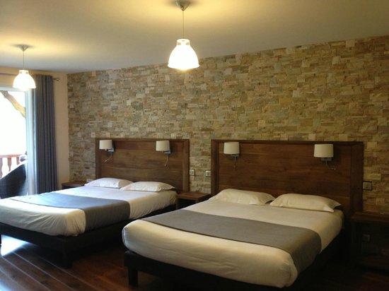 Erreguina Hotel-Restaurant : chambre pour 4 personnes (2adultes 2enfants)