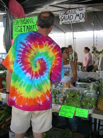 The Lotus Garden Hilo: We are just one block from The Hilo Farmer's Market..full of quality produce and tropical deligh
