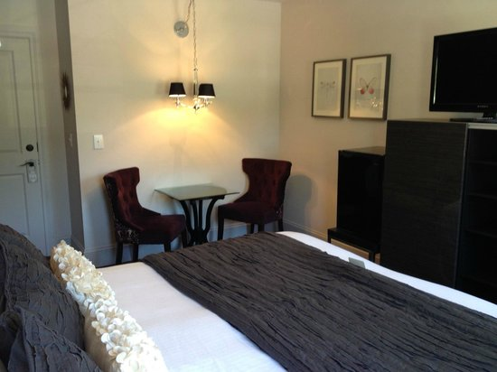Camas Hotel : New King Room - 3rd Floor - #28