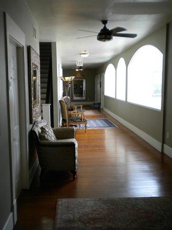 Hotel Vyvant: hallway