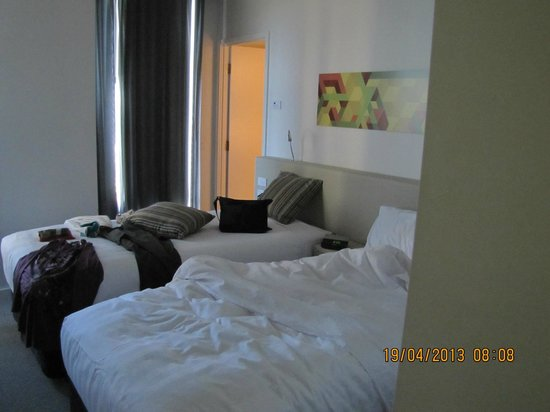 Citadines on Bourke Melbourne: one of the bedrooms