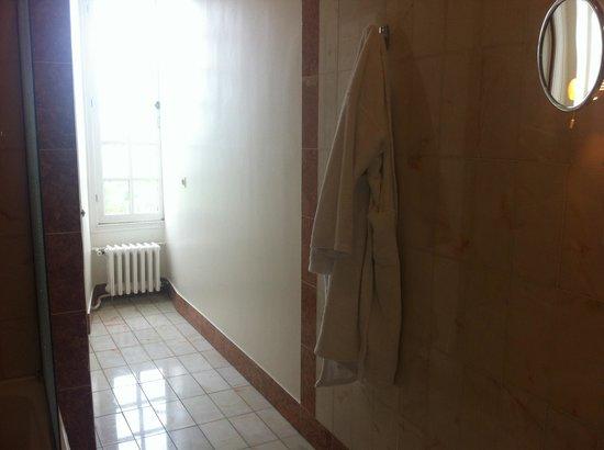 Chateau d'Artigny: salle de bain