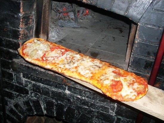 Il Vinile : la nostra pizza al tagliere cotta nel forno a legna