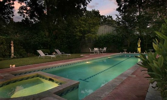 Noble Inns - Aaron Pancoast Carriage House: Enjoy our  pool and spa