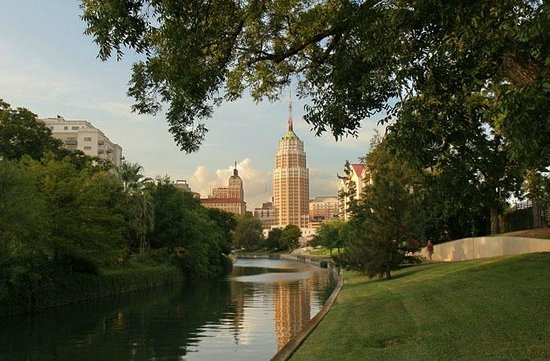 Noble Inns - Aaron Pancoast Carriage House : Explore San Antonio from our centrally located B&B