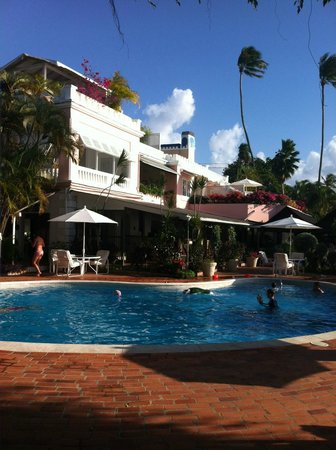 Cobblers Cove: Nog een zwembadfoto